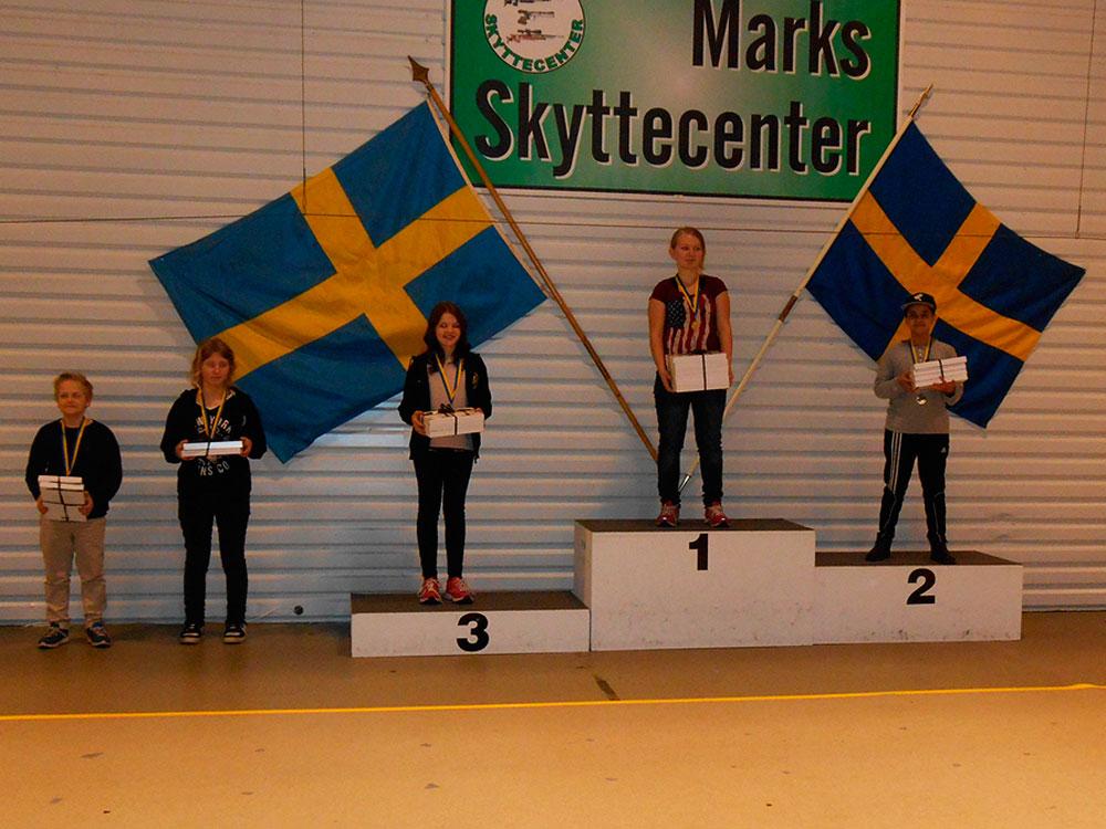 Maja Bucher 1:a i Skyttiadens Riksfinal L13 2015
