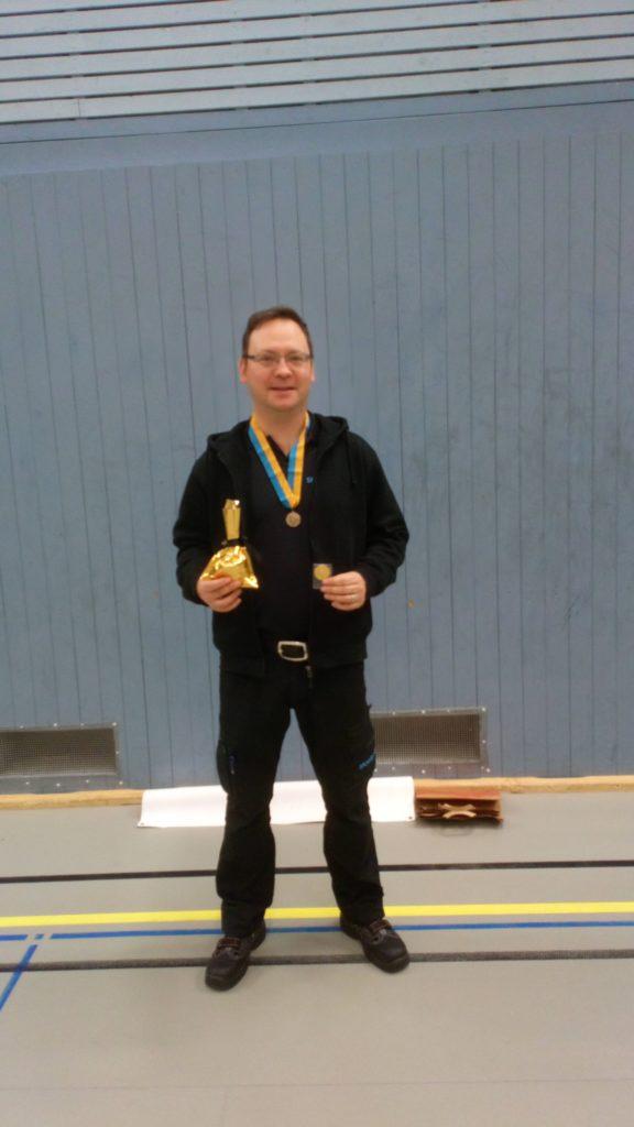 Anders Bucher med sina priser